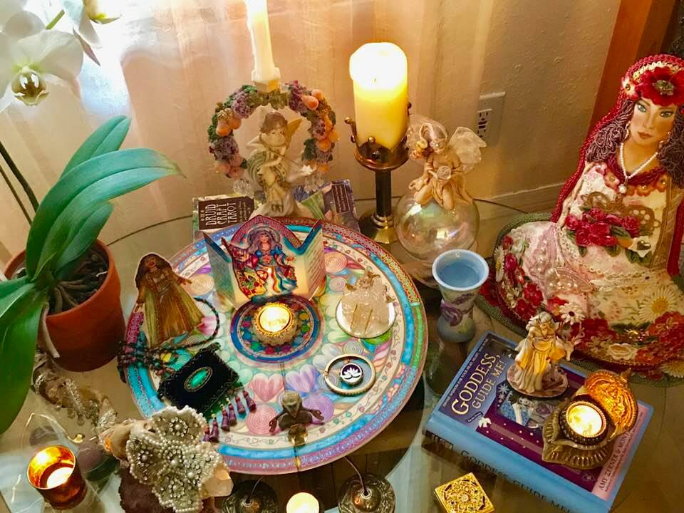 How to create your Enchanted Heart Wisdom Altar Banner