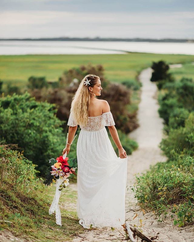 Can you believe this was actually meant to be a maternity dress? . . . #wilmingtonweddings #southernweddings #carolinabride #stylemepretty #weddinginspiration #weddingphotographer #raleighwedding #charlottewedding #ashvillewedding #bohobride #lookslikefilm #shootandshare #huffposrgram #offbeatbride #loveauthentic #exploretocreate #wilmingtonweddingphotographer #portraitcollective #theknot #wedphotoinspiration  #weddingwire #wednc #chasinglight #authenticlovemag #thephotographyofhaleykatherine #haleykatephotos #tphkweddings