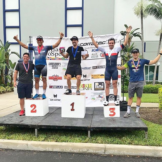 Congrats to @zayas_cycling 🚴🏻‍♂️🔥 #zielccracing on the podium today!! Good job @sebascano875 and the @aminoripracing team 😎🤙#itsnotcyclingitsziel #zielcc #laescuelitaziel @factorbikes . . . . . . . . #miami #cycling #procyclingmiami #cyclinglife #dirtyfaceswinraces #factorbikes #refusetoloose #pushingwatts #viticoquality #outsideisfree #werace #critlife #presidente