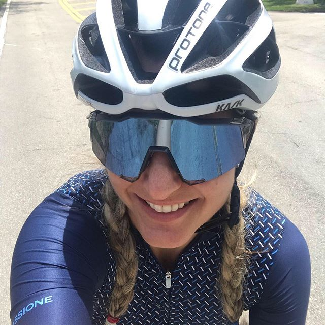 Wether its a championship or your next Saturday ride with friends give it a 100%  @100percent_bike . . . . #miami #ride100percent #see100percent #speedcraft #s2 #s3 #sunglasses #cyclinglife #cyclingclub #cycling #coralgables #bestcyclingstyle #laescuelitaziel #viticoquality #outsideisfree #sagan