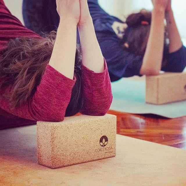 I am back in Lisbon 😊🙏 #yogaclasses #yinyoga Thursdays, 5a 19.45h #yinyangyoga Fridays, 6a 17.30h @littleyogaspacelisboa #yoganalisboa #corcyoga #yoganalovethis #yinlove #embodiment #flexibility #fasciarelease #fasciayoga #healthylifestyle #wellbeing #balance #mentalhealthawareness #namaste