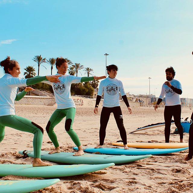 Perfect little #waves to #learntosurf or improve your skills this #Sunday plus #sunshine for a relaxing #Yoga class on the #beach ! #vamosaisso #yogaandsurf #surfinportugal #yogaonthebeach #yoganapraia #yoganalovethis #yoganalisboa #surfingyogini #surfers #surfgirl #surferhair #praiadecarcavelos #enjoylife #surferdude #beachyoga #yogaeverywhere #beachvibes #portugal #namaste  Sign up here https://www.yoganalisboa.com/yoga