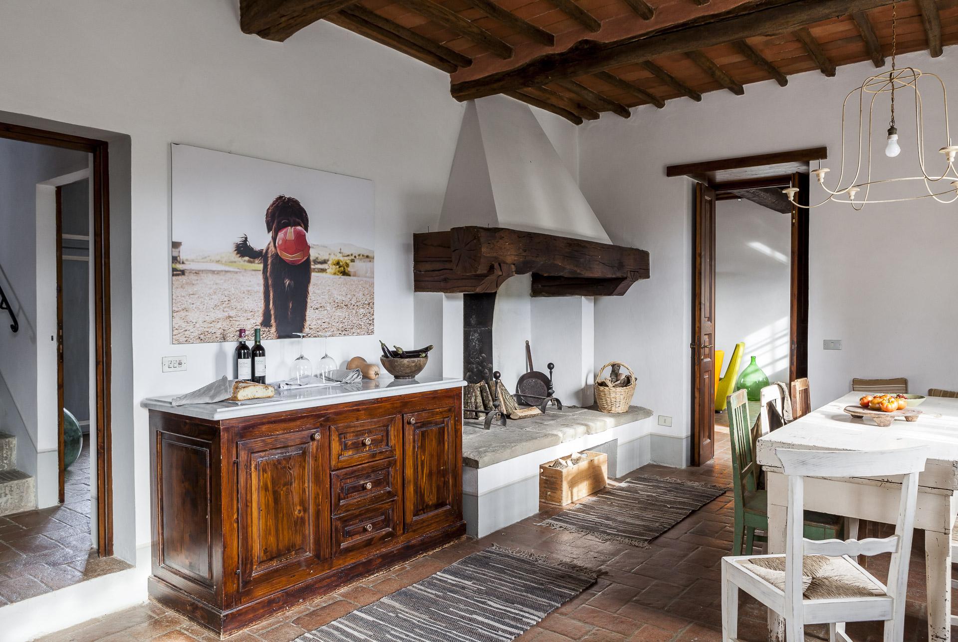 Vuokratalon tilava keittiö