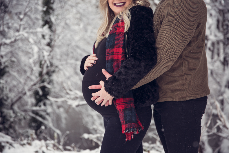 leri_lane_photography_maternity_pregnancy__expencting_preganant_third_trimester_baby_posing_shropshire_wales_photographer-13.jpg