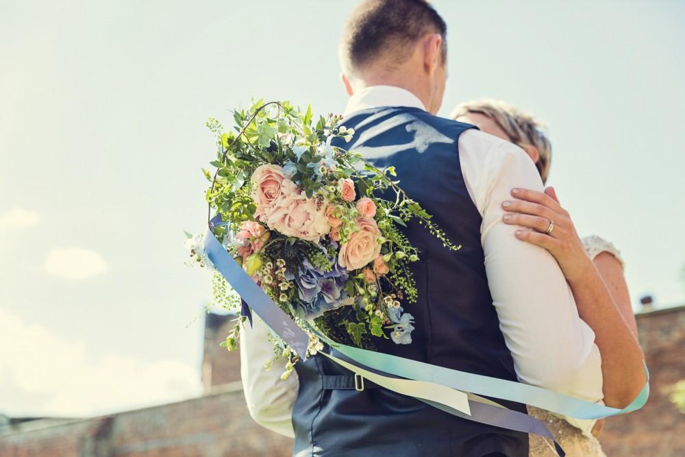leri-lane-photography-wales-shropshire-photgrapher-maesmawr-oswestry-broneirion-plasdinam-gregynog-elan-valley-2016-weddings-13-1000x667.jpg