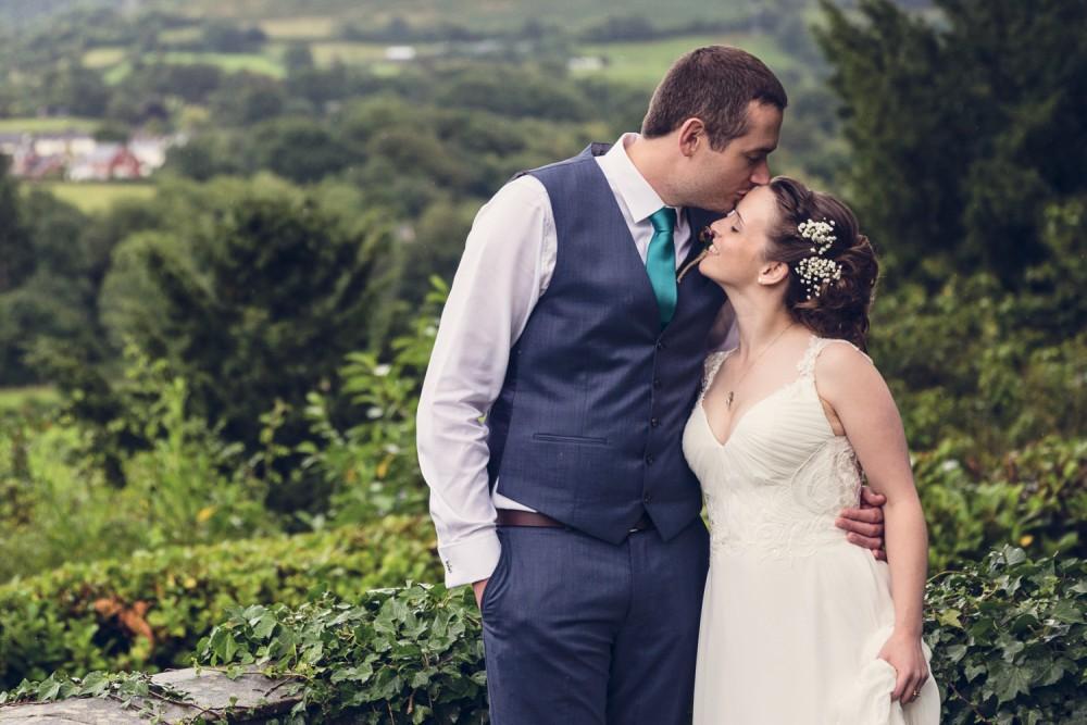 leri-lane-photography-wales-shropshire-photgrapher-maesmawr-oswestry-broneirion-plasdinam-gregynog-elan-valley-2016-weddings-89-1000x667.jpg