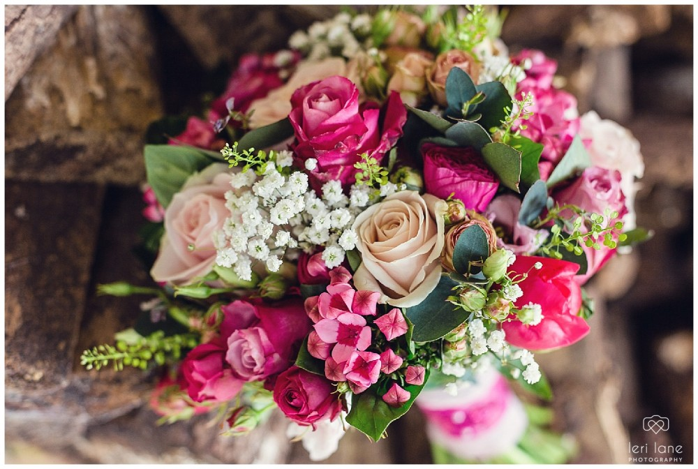 maesmawr-wedding-april-pink-bride-welsh-leri-lane-photography-5-1000x672.jpg
