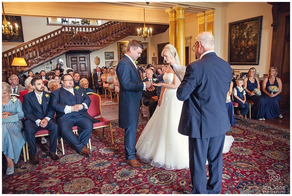 jodie-adam-walcott-walcot-unique-venue-hall-spring-wedding-shropshire-wedding-photogarpher-leri-lane-photography-34