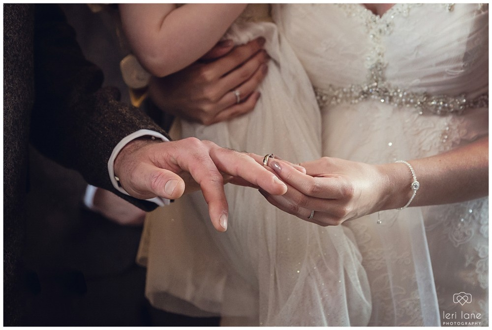 leri-lane-photography-tower-hill-barns-brynich-maesmawr-rowton-castle-gregynog-walcott-hall-wedding-flowers-bride-natural-photos-bridesmaids-rings-shoes-mid-wales-shropshire-11