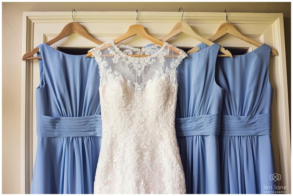 leri-lane-photography-tower-hill-barns-brynich-maesmawr-rowton-castle-gregynog-walcott-hall-wedding-flowers-bride-natural-photos-bridesmaids-rings-shoes-mid-wales-shropshire-26