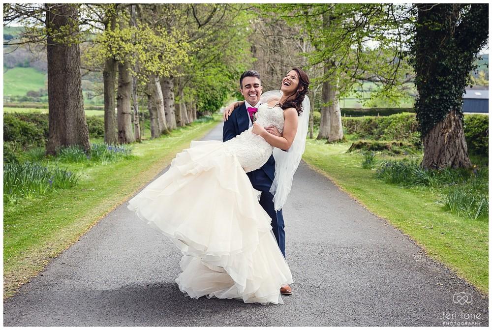 leri-lane-photography-tower-hill-barns-brynich-maesmawr-rowton-castle-gregynog-walcott-hall-wedding-flowers-bride-natural-photos-bridesmaids-rings-shoes-mid-wales-shropshire-27
