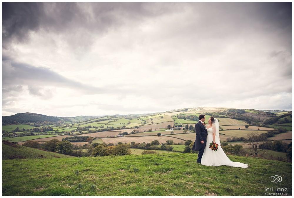 leri-lane-photography-tower-hill-barns-brynich-maesmawr-rowton-castle-gregynog-walcott-hall-wedding-flowers-bride-natural-photos-bridesmaids-rings-shoes-mid-wales-shropshire-90