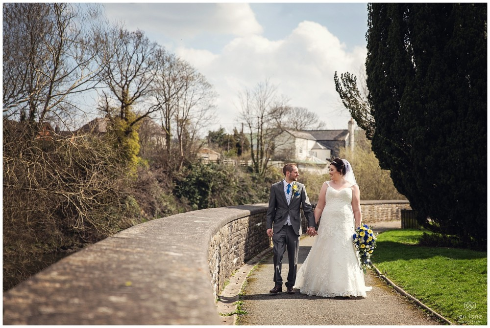 wedding_photography-bride-groom-mid-wales-leri-lane-elephant-and-castle-2018_001