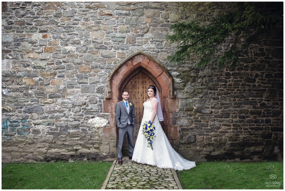 wedding_photography-bride-groom-mid-wales-leri-lane-elephant-and-castle-2018_021