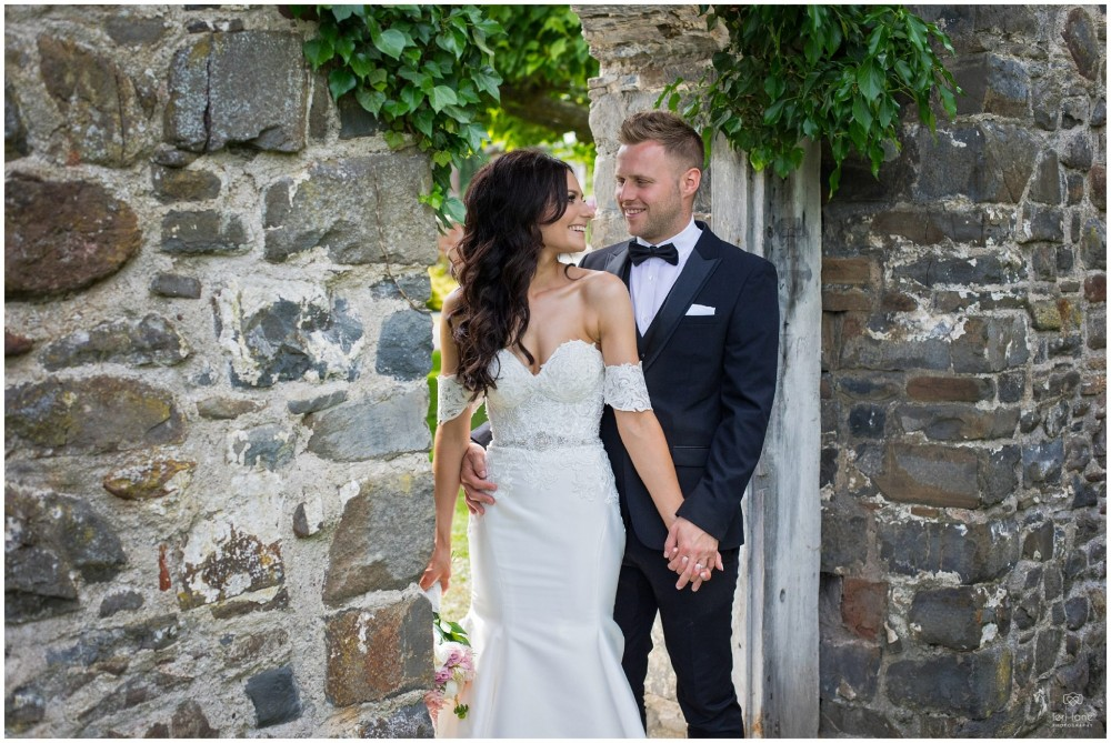 LeriLanePhotography_wedding_Elephant_castle_neetown_Mid_Wales_Photography_Chrissie_mathew-26