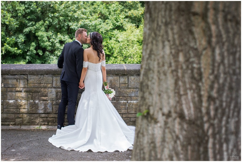 LeriLanePhotography_wedding_Elephant_castle_neetown_Mid_Wales_Photography_Chrissie_mathew-27