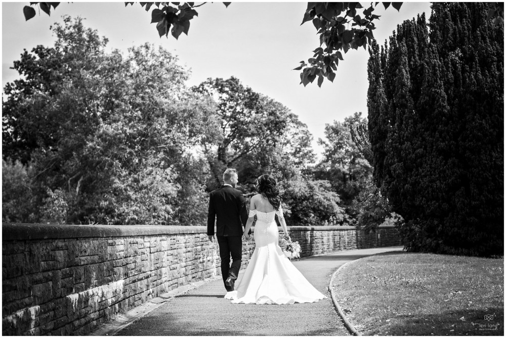 LeriLanePhotography_wedding_Elephant_castle_neetown_Mid_Wales_Photography_Chrissie_mathew-46