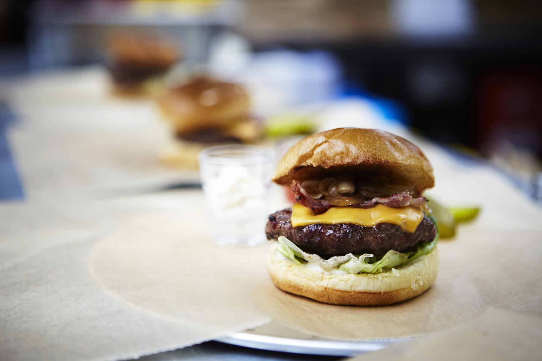 icon-artist-management-katie-hammond-food-burger_on_pass_390_ret_flat.jpg