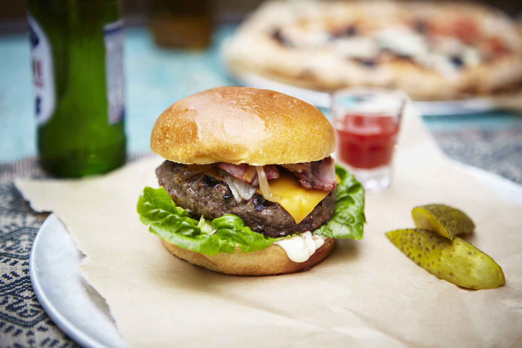 icon-artist-management-katie-hammond-food-burger_672_ret_flat.jpg