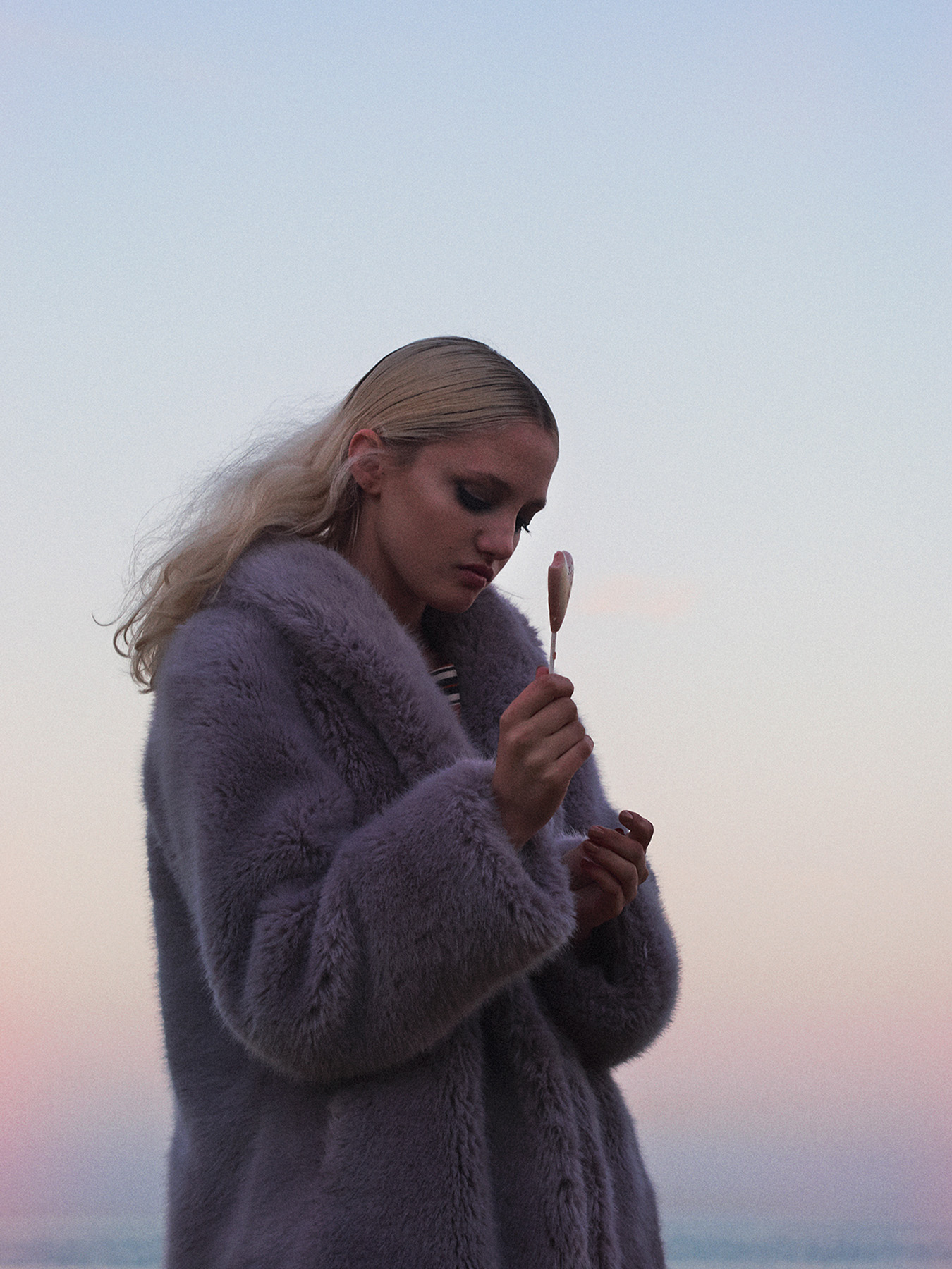 263-icon-artist-management-Kristin-Vicari-Fashion-Stella Magazine06.jpg