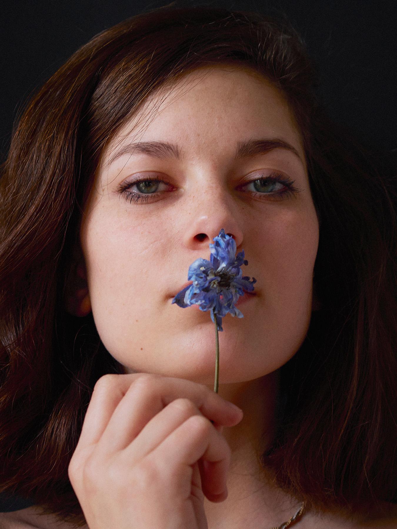 028-icon-artist-management-Kristin-Vicari-Girls and Flowers-28.jpg