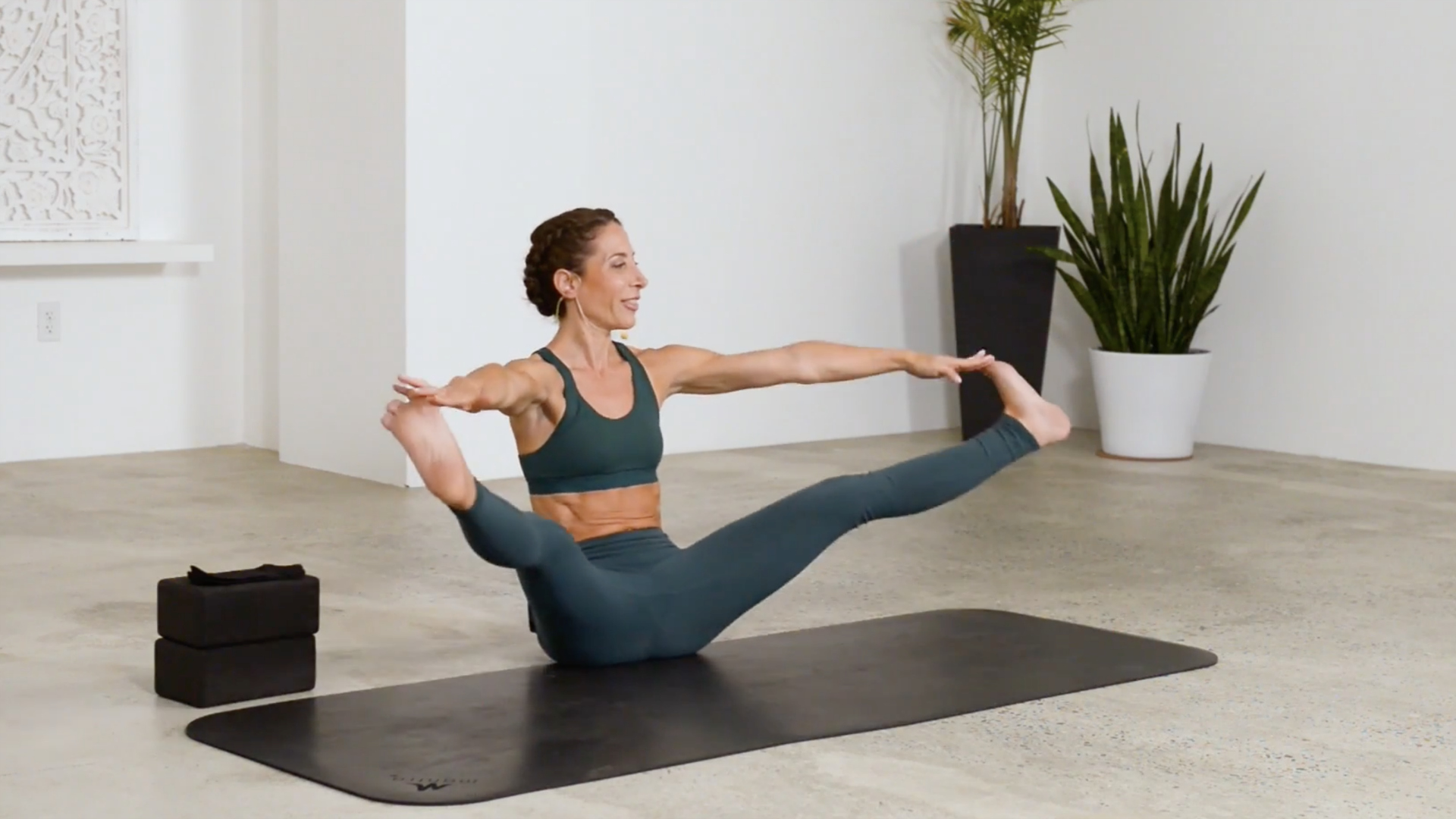 Core 3: Hip Flexors 32 mins  Learn how to strengthen the muscles that flex your hip and pull your knees into your chest. Developing strong hip flexors will unlock your inner strength and enable you to move with more control.