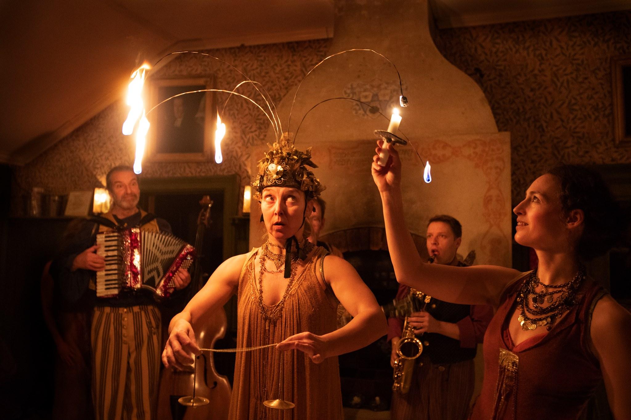 Midvinterfest - en julupplevelse med teater sláva