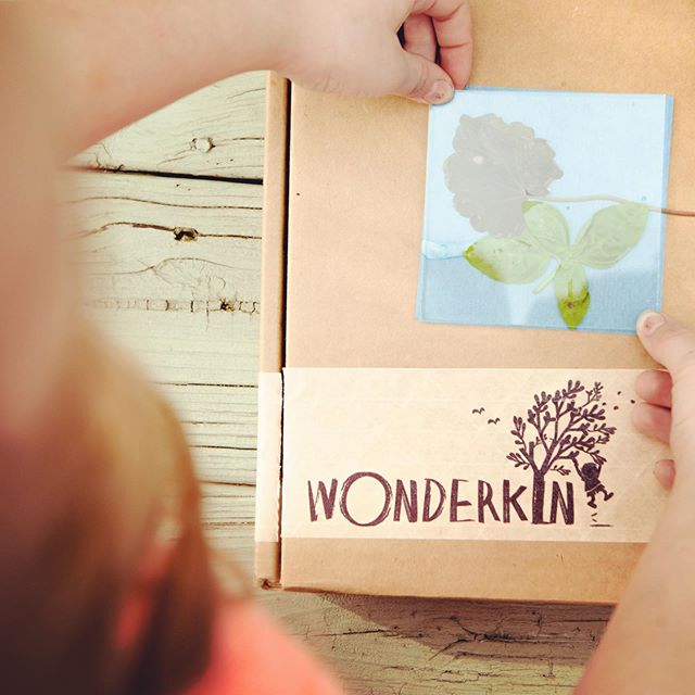 These long, sunny spring days are perfect for making sun prints! ☀️ Our astronomy-themed boxes include a DIY sun print kit that allows you to harness the power of the sun to create you own beautiful nature art! 🌱  Order yours today in our online shop (link in bio) . . . . . #childhoodunplugged #playmatters #kidsinnature #natureplay #natureplayforall #outdoorplay #naturecrafts #sunprint #goplayoutside #naturestudy #homeschool #wildandfreechildren #outdoorkids #outdoorfamilies #wildschooling #wonderkinbox #wonderkin