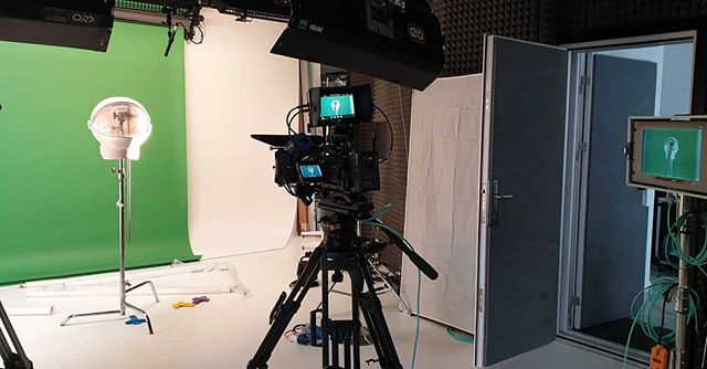 Something's up in the studio.... 🚀🌌👽 #outofthisworld #space #Astronaut #studio #filmstudio #Galaxy #Apollo11 #50years #prerig #womeninfilm #Greenscreen #keying #filming #blackmagic #onset #lighting #bts #behindthescenes