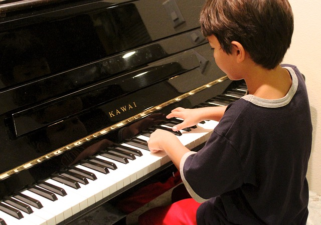 child playing piano in saugerties ny.jpg