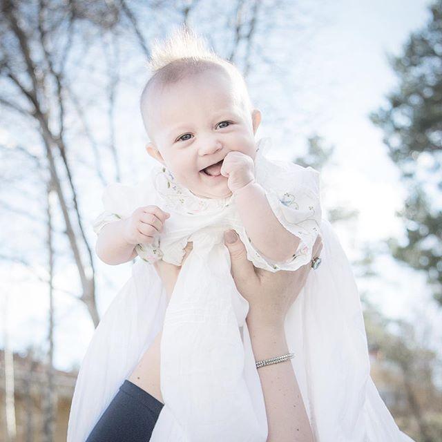 Snygg frilla på ditt dop idag, Ebba! 💕💕 . #dop #baptism #frisyr #hairstyle #cutebaby #riskförattdethärblirdinstudentskylt