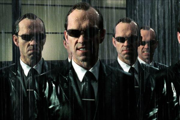 The-Matrix-Revolutions-Hugo-Weaving-600x400.jpg
