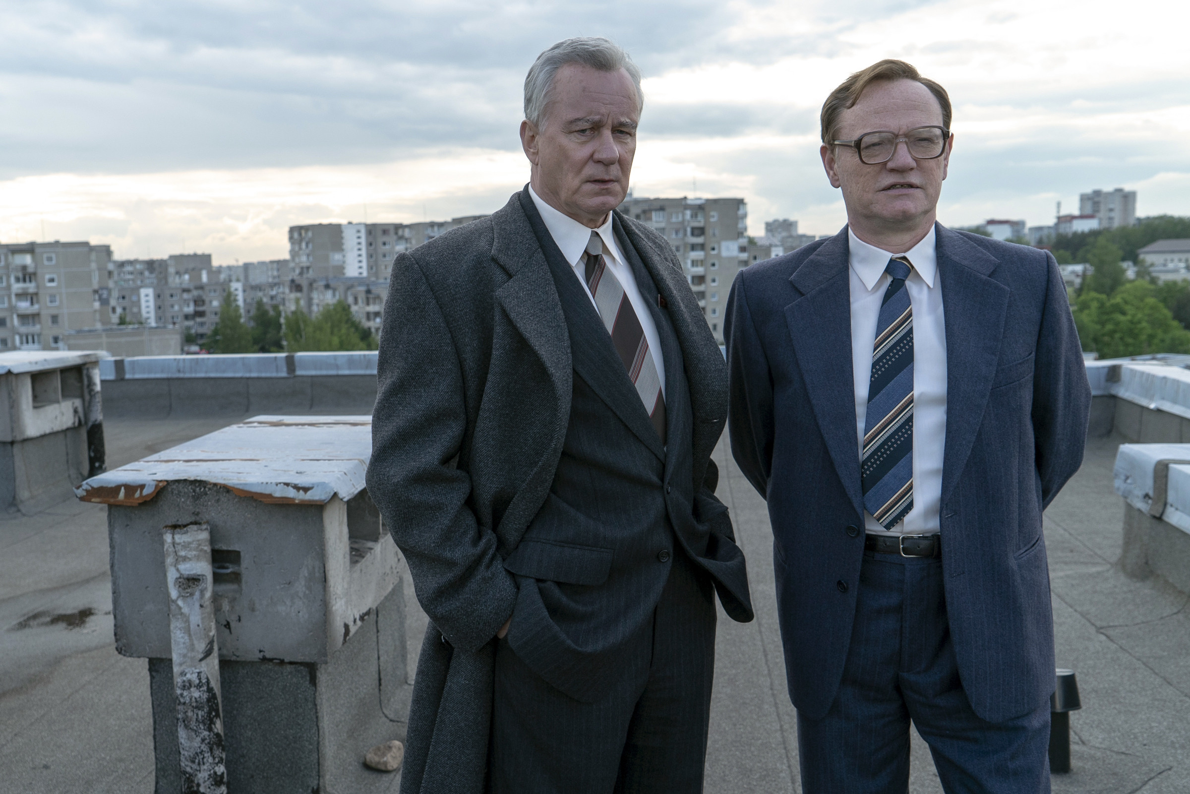 Stellan Skarsgard (left) as Boris Shcherbina and Jared Harris (right) as Valery Legasov.