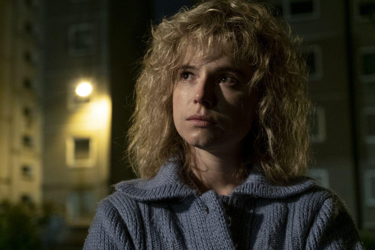 Jessie Buckley as Lyudmilla Ignatenko.