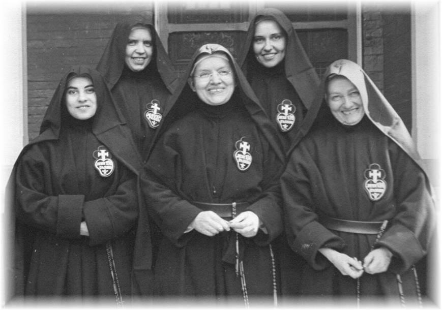 Foundresses1946.jpg