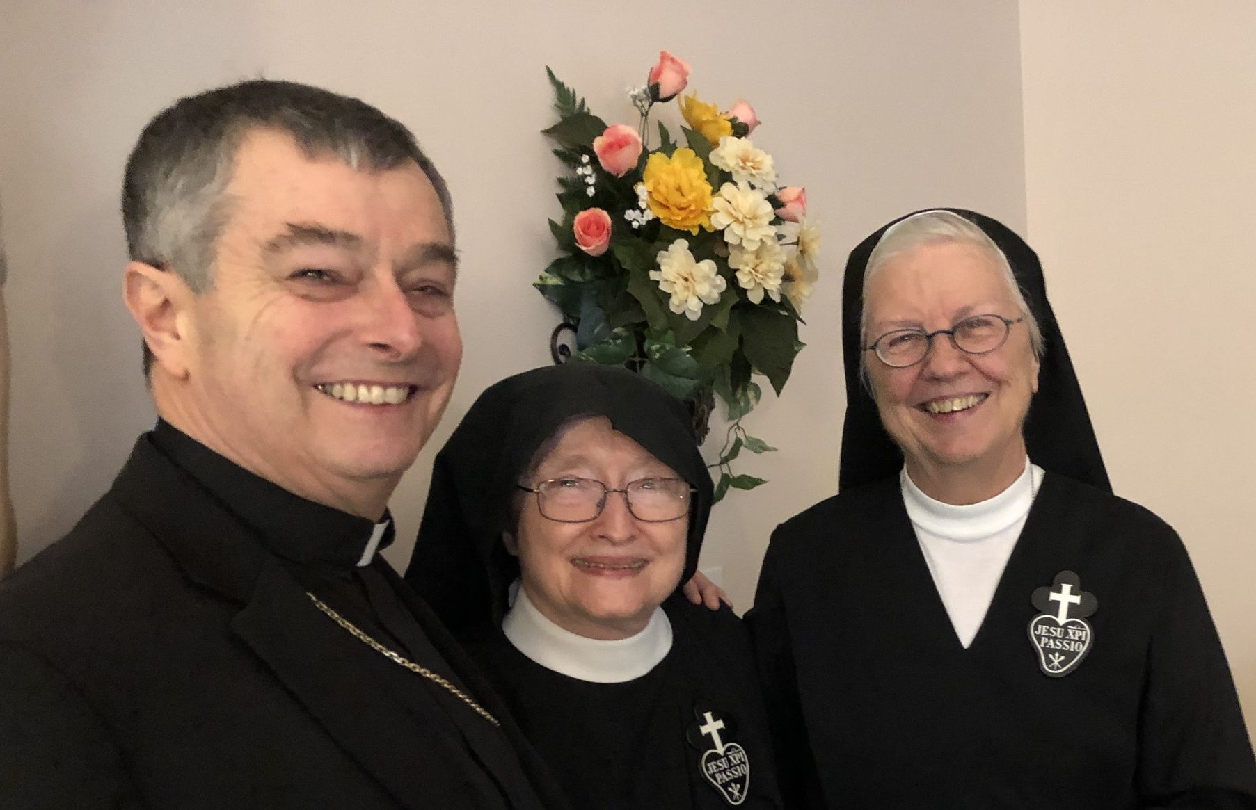 Bishop William Medley (Diocese of Owensboro) with Sr. Catherine Marie, CP and Sr. Joan Mary, CP - Bishop Medley sent them off to Lucca with his blessing