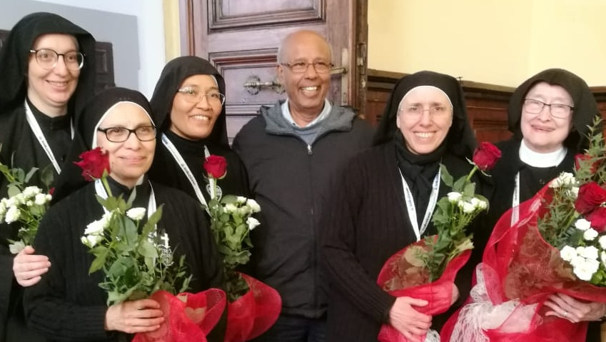 Sr. Luzia Daniela Almeida, Mother Ana Maria Cabañas, Sr. Maria Martina Naiman, Fr. Joachim Rego (Superior General of the male Passionists), Mother Gertrude Poggio, and Mother Catherine Marie Schuhmann.