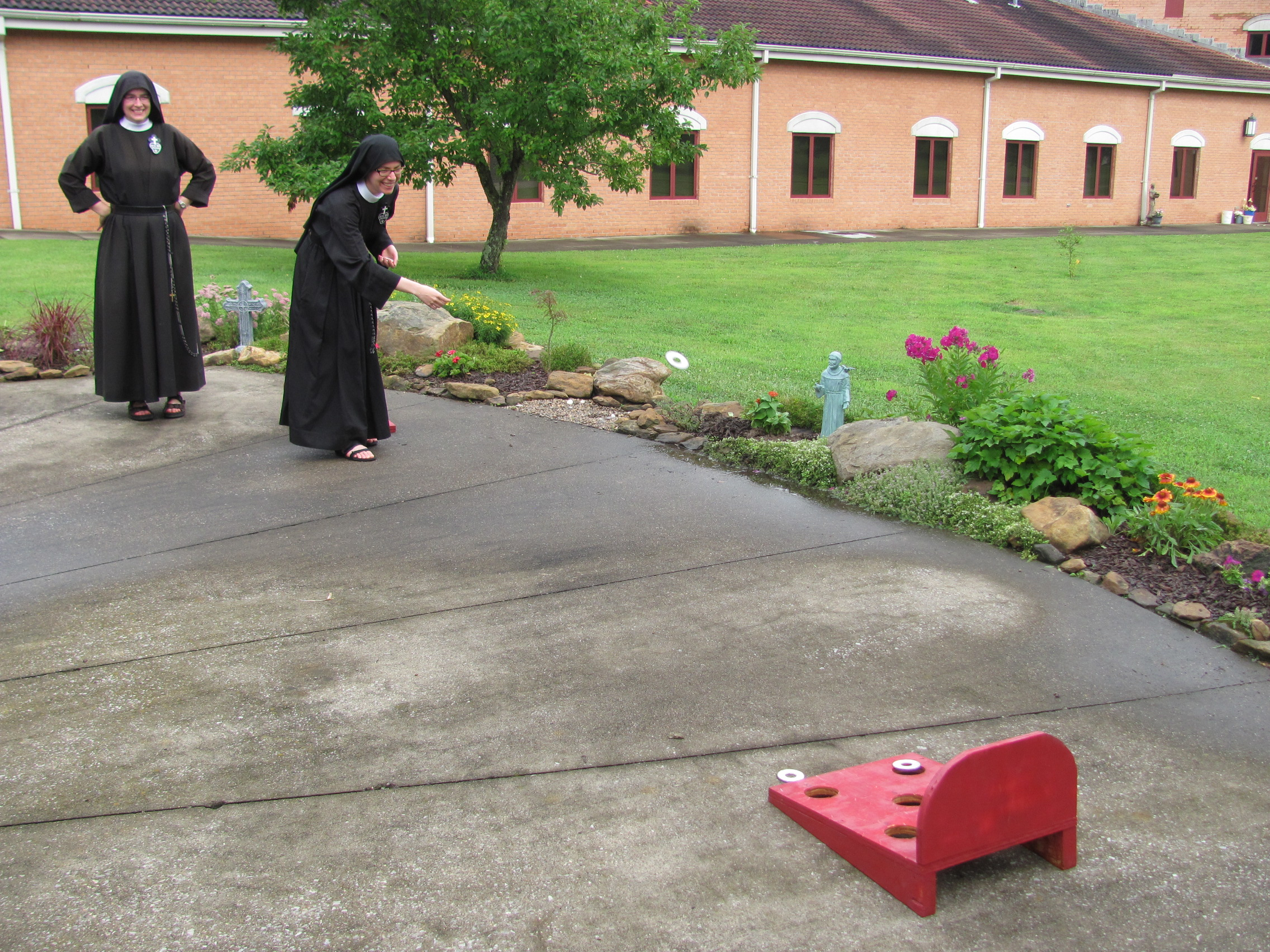 A rousing game of washers ensued.  Here's Sr. Maria Faustina showing off her throws.