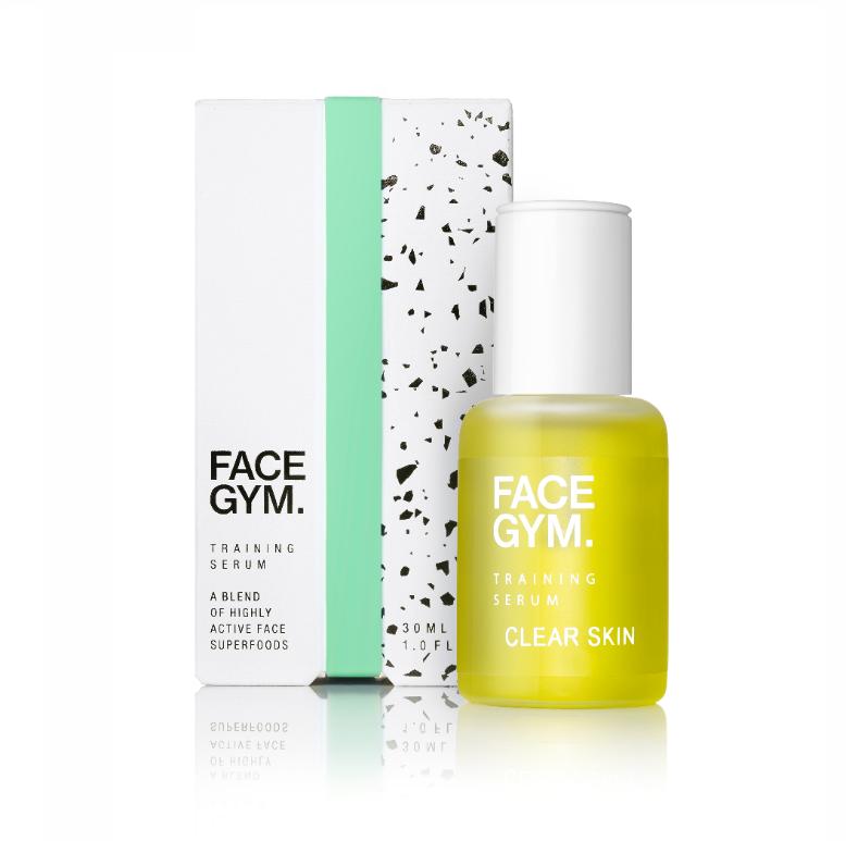 Clear Skin Training Serum - FACEGYM30ML, 50£Clear Skin Training Serum Blend skal forhindre utbrudd og rense uren hud, i tillegg til at den beskytter mot de negative effektene forurensning har for huden. Agurkoljen tilfører fukt og hjelper til med å opprettholde hudens tekstur, mens Melinioil reduserer rødhet og tegn på stress og tidlig aldring. Serumet har en balansert lukt av Palma Rosa og Bergamot.