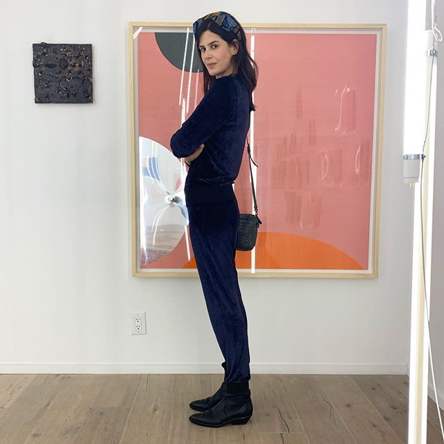 "Dear friend and muse @luizamariani joined me at the press preview for Carlito Carvalhosa — opening next Tuesday at Nara Roesler gallery. The Brazilian artist revisits works from the 90s and explores the surface of his paintings/sculptures on wax, resin, paraffin over mirrors and wood. ""The idea was to take works from the 1990s and remake them in order to create works that are a sort of copy of something I have already done, but with a large chunk of time between them"", explains the artist. It will be up until Oct 19  #CarlitoCarvalhosa #presspreview"