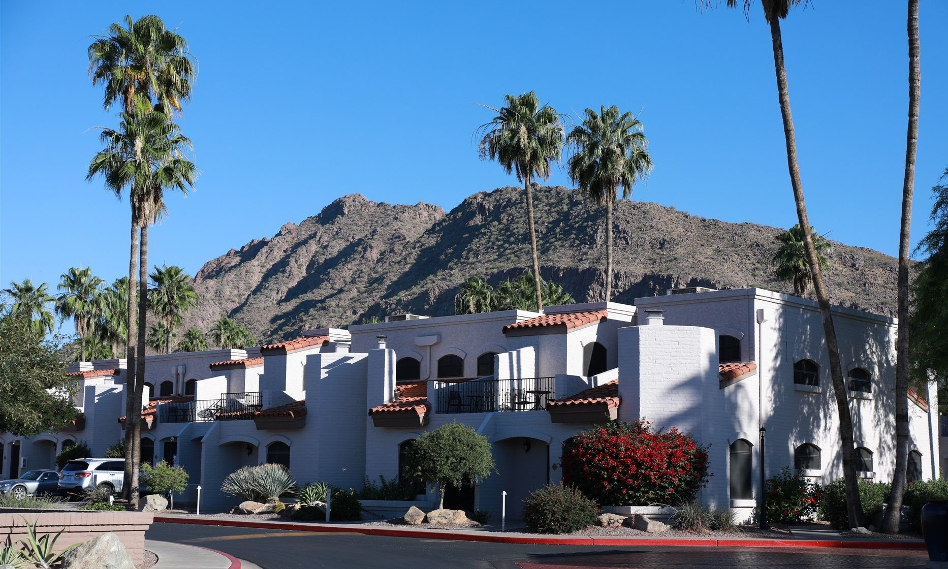 Villas - Featuring spacious villa accommodations located in a quiet residential neighborhood minutes from downtown Scottsdale and area attractions.