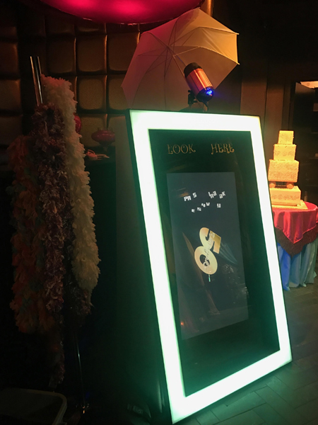 *New*  MAGIC Mirror Photo Booth