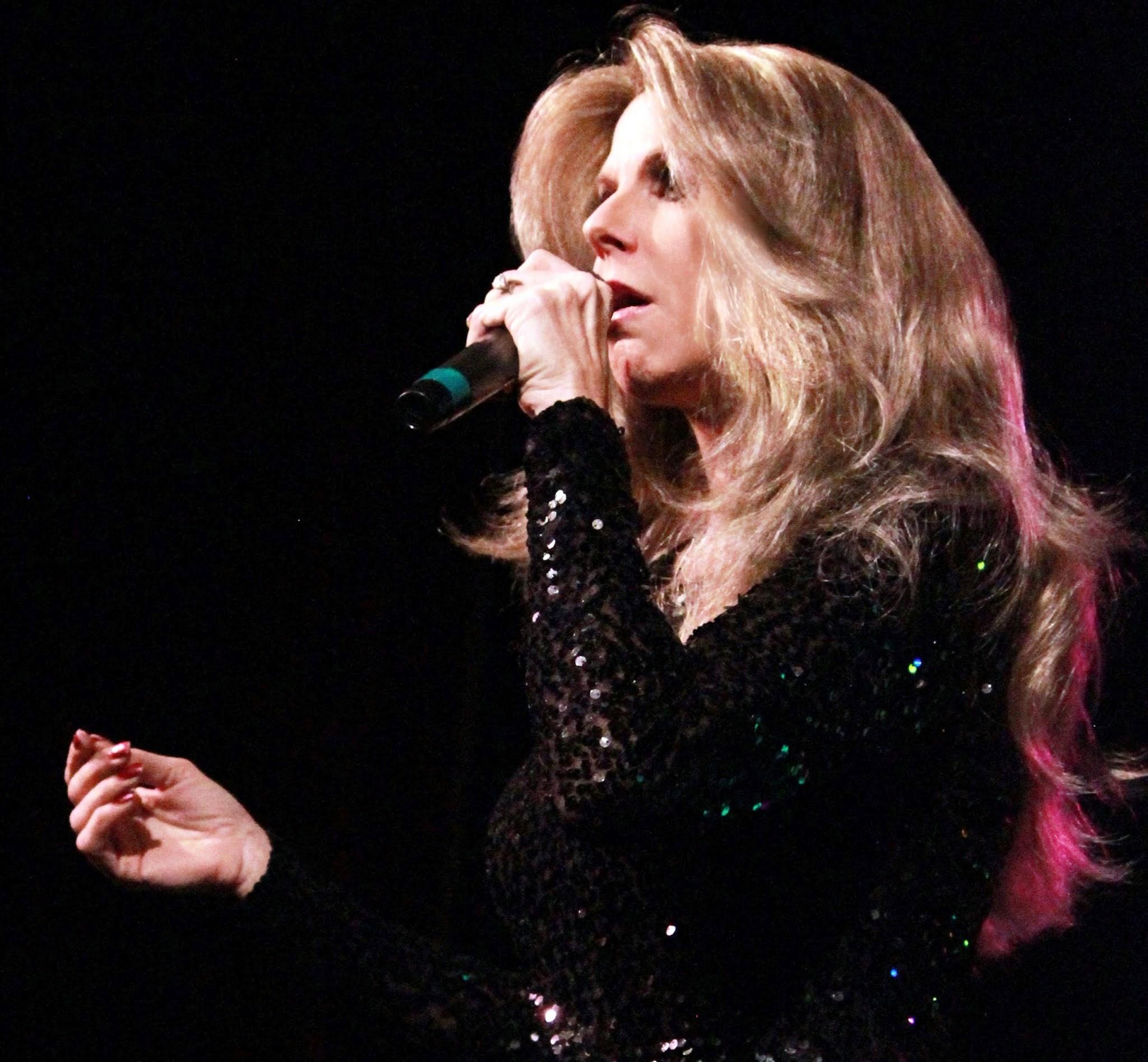 Elisa new Live Celine Diva's_pp.jpg