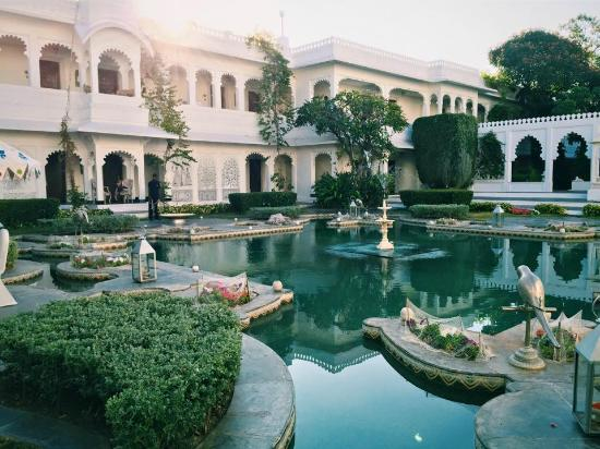 LAKE PALACE - UDAIPUR- RAJASTHAN