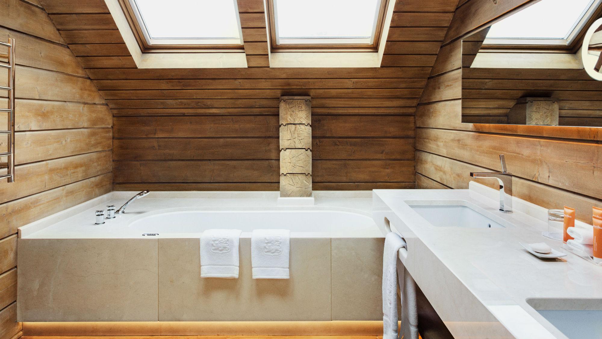 Double_Room_Bathroom_El_Lodge.jpg