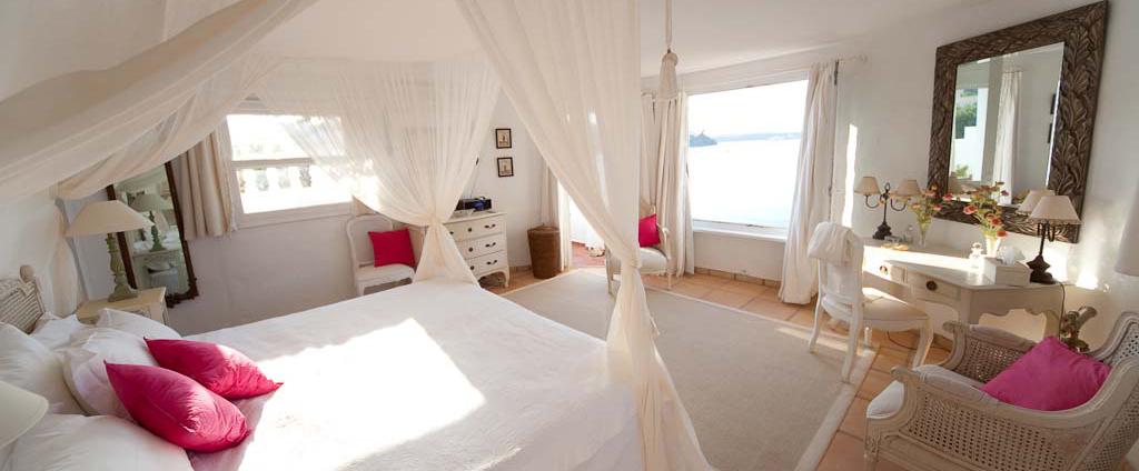 Villa Menorca Bedroom.jpg