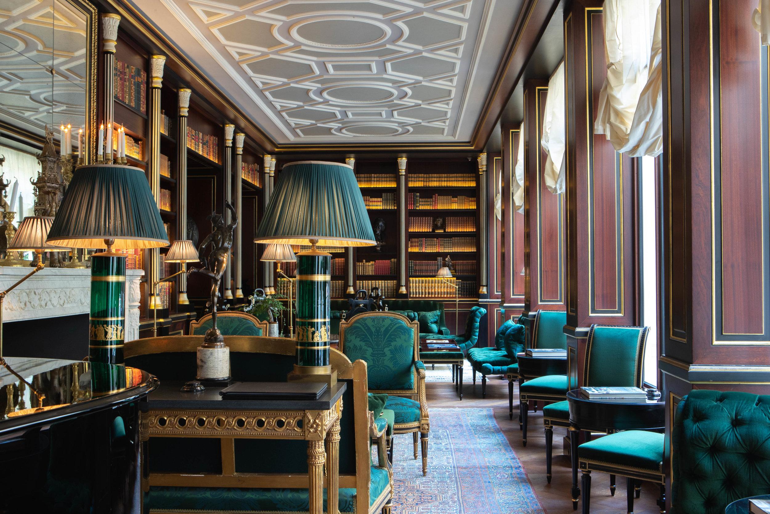 La Réserve Hotel & Spa - Bibliotheque - Crédits photo G. Gardette - La Réserve Paris.jpg