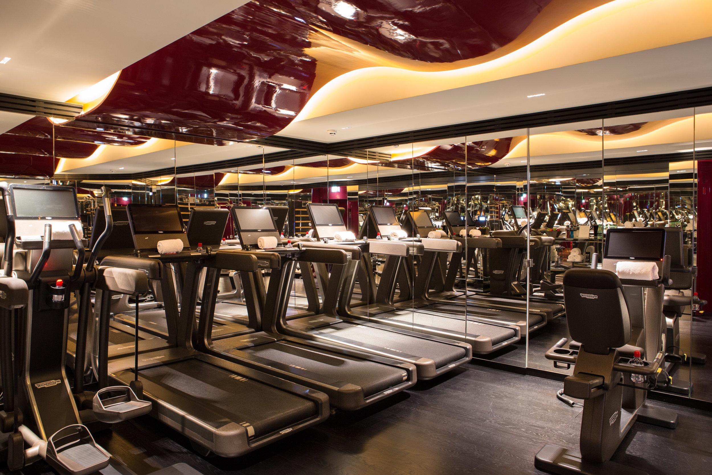 La Réserve Hotel & Spa - fitness room - Crédits photo G. Gardette - La Réserve Paris.jpg