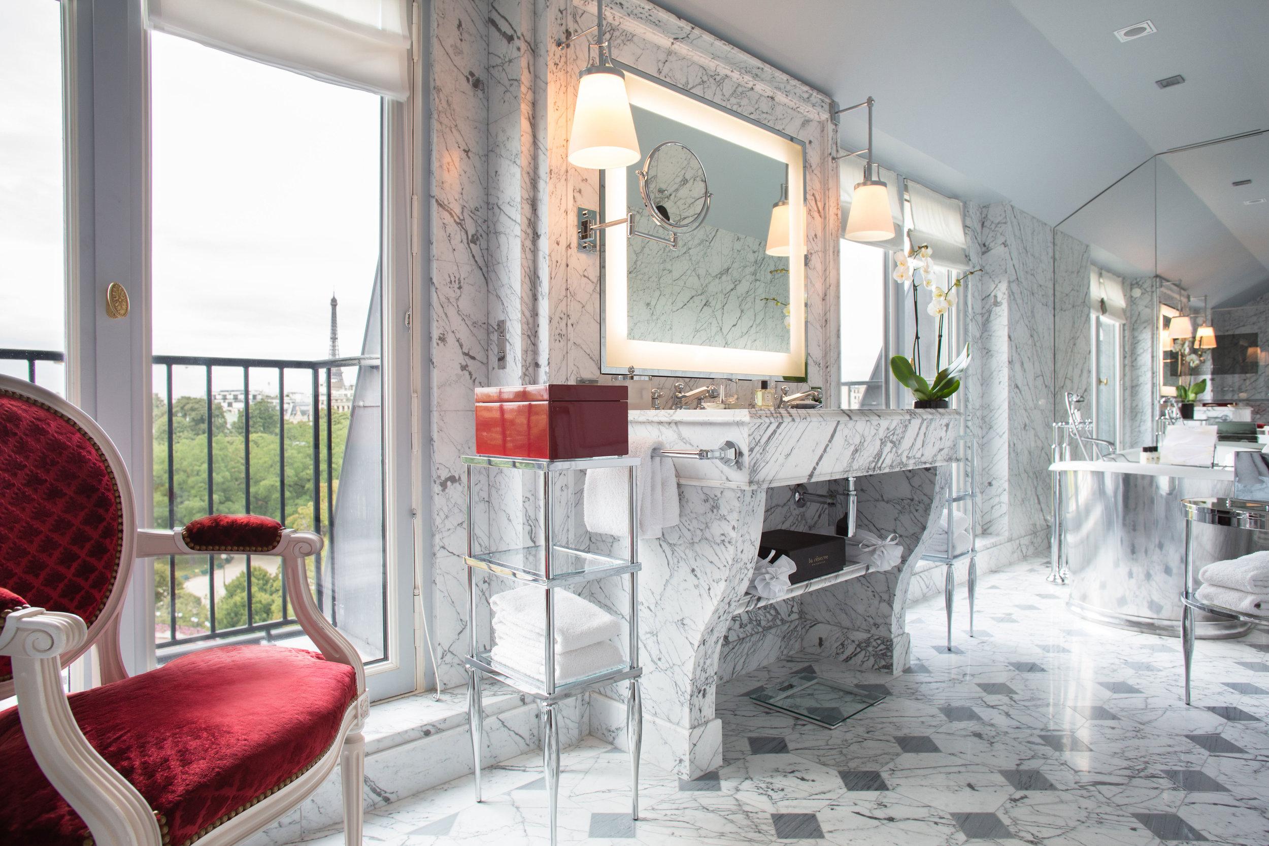 La Réserve Hotel & Spa - imperial suite - Crédits photo G. Gardette - La Réserve Paris.jpg