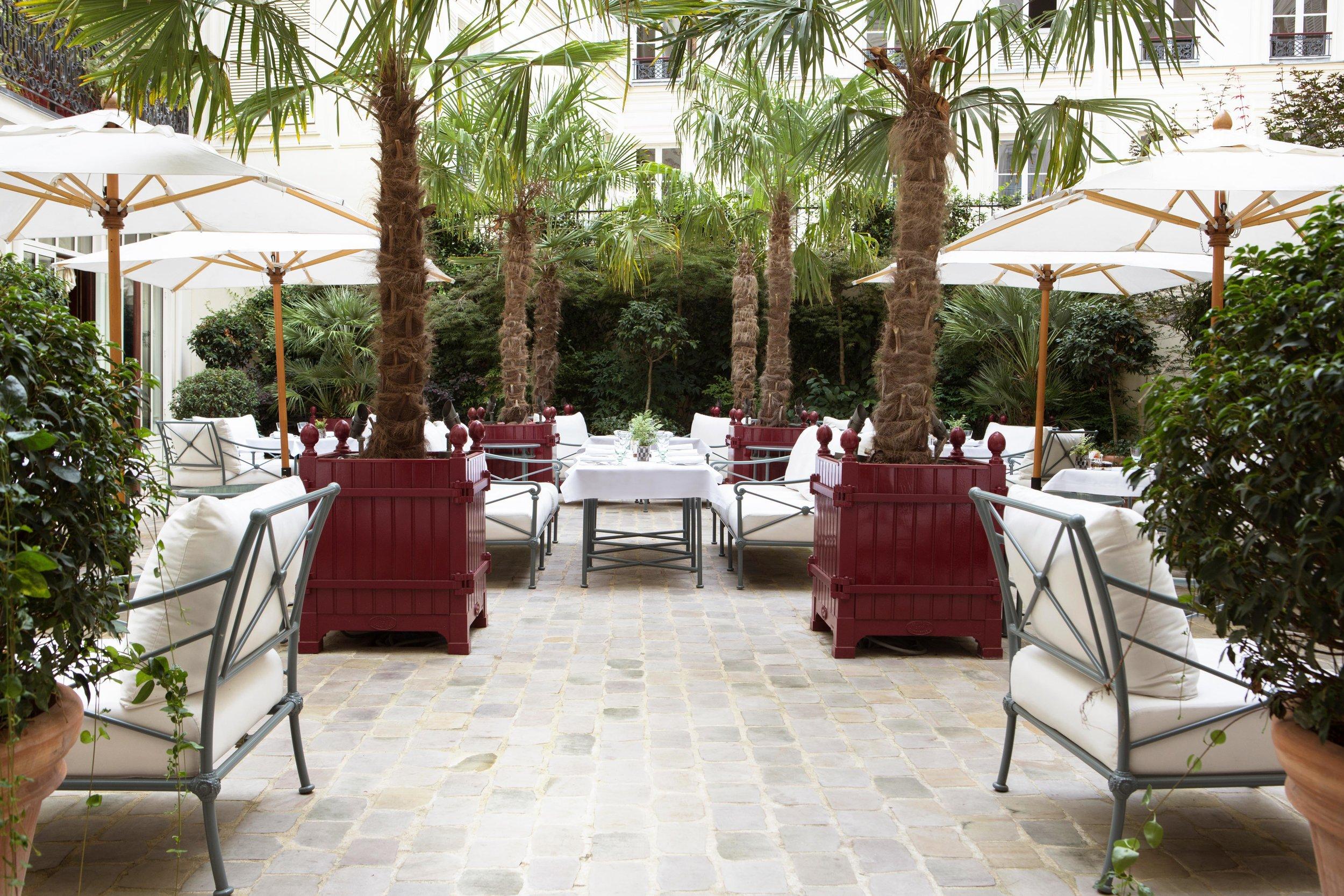 La Réserve Hotel & Spa - patio - Crédits photo G. Gardette - La Réserve Paris.jpg